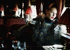 窥视时尚圈内商业大片 学拍华丽绝美人像