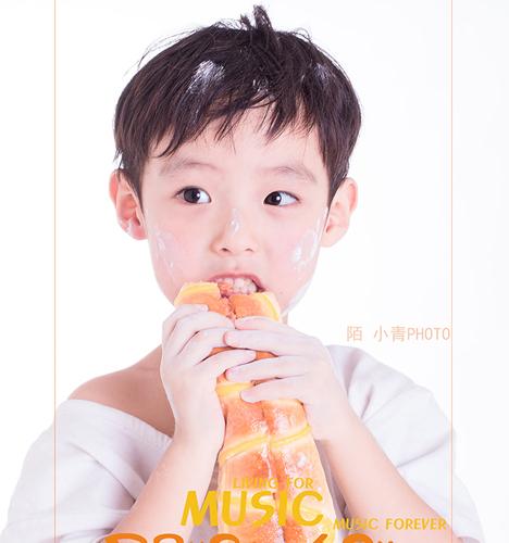 小吃货的快乐 儿童摄影