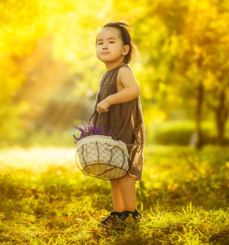 爱撇嘴的小女孩 儿童摄影