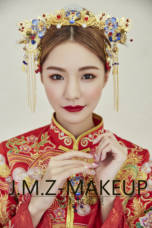 中式新娘头饰造型 演绎最美中国风