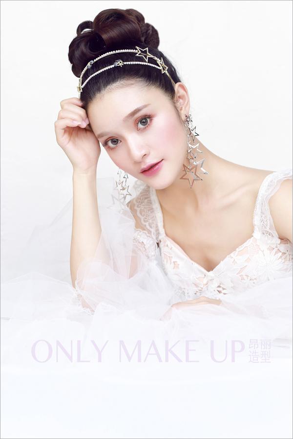 时尚复古新娘短发造型