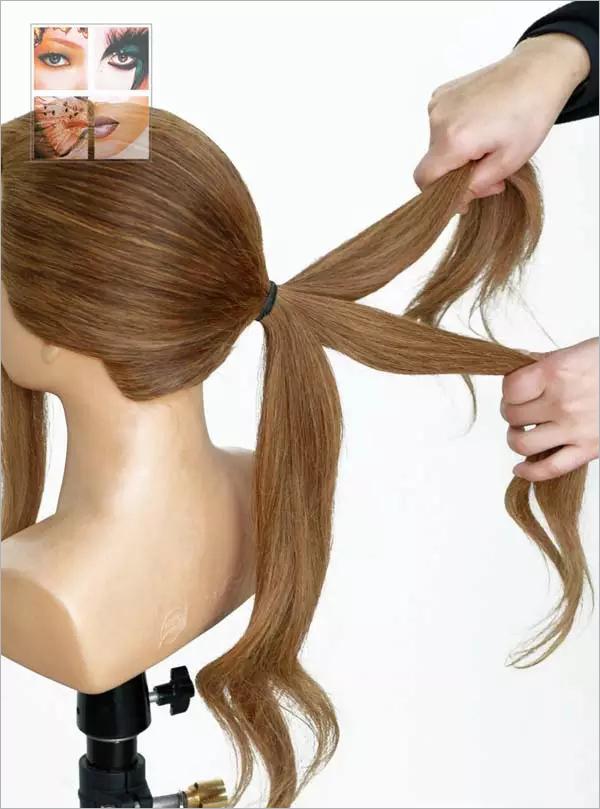 为大家带来一款手推波纹新娘发型,温婉柔和的曲线,尽显高贵浪漫的情调,非常适合高贵优雅的新娘哦~   1、这款发型适合头发较长者。首先将头发三七分,用手梳梳顺。    2、前额后侧发区分出大约宽3公分的发片作刘海,后侧头发用皮筋扎低马尾。梳头时一定要注意把头发梳顺哦,否则直接影响后面的造型效果。    3、后侧发区平均分成三份,可以用夹子或皮筋暂时固定。    4、用手将右侧发片从左至右推出花瓣的形状,用夹子固定。