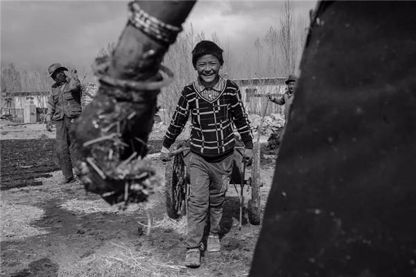 人像摄影十杰王伟涛:用朴素而真挚的情感凝视