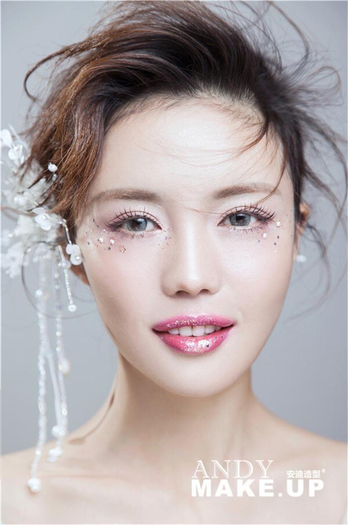 短发新娘妆容造型