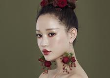 唯美鲜花头饰 打造仙气十足的新娘造型