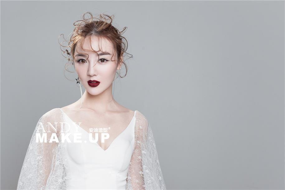 简约时尚新娘妆容+减龄妆效设计 化妆造型