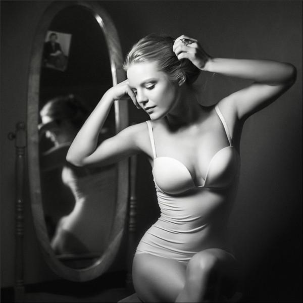 光影刻画宁静之美 如画般典雅的黑白唯美肖像