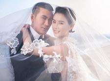 黄圣依杨子结婚10年婚纱照曝光 海边相拥甜蜜浪漫