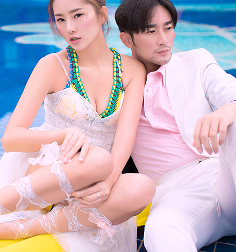 Pool party 婚纱照