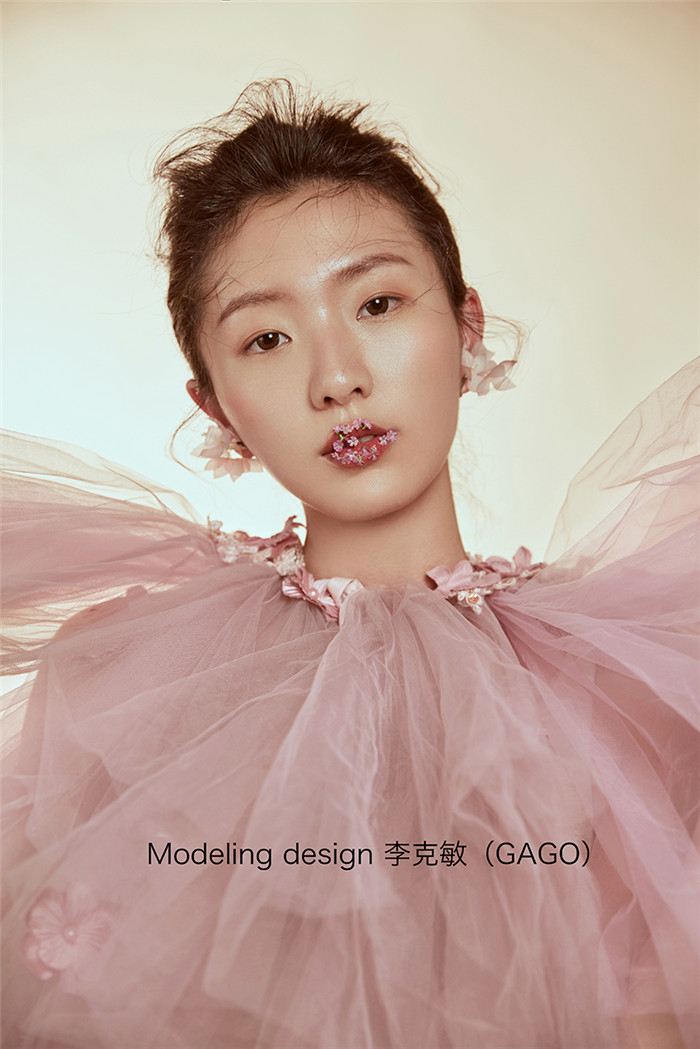 素春 化妆造型