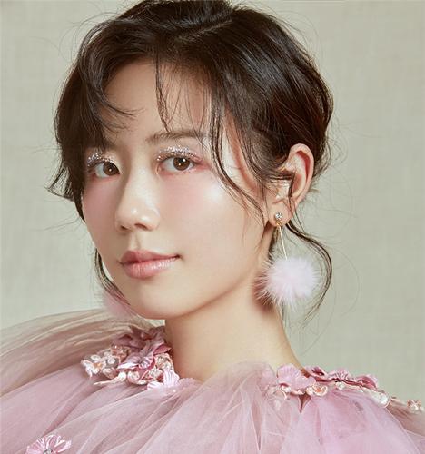 粉色系 化妆造型