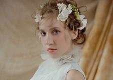 暖色调新娘造型 洋溢青春的小美好