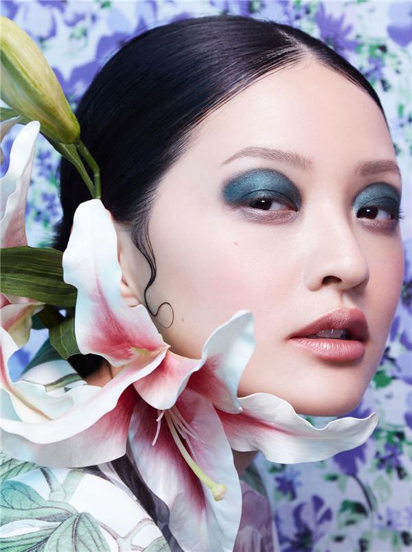 以花为题寻自然之美 时尚芭莎泰国版*新妆面大片