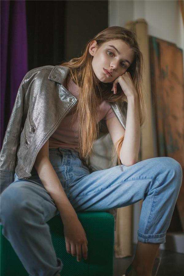 柔美细腻的内心 时尚的青春少女写真