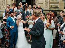 想让你的婚礼摄影变得价值不菲,看看这些建议吧!