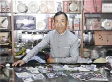 """摄影师朱耀坤 : 上世纪八九十年代的照相馆这样""""美颜"""""""