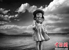 """""""人像摄影十杰""""25年作品展在北京开展"""