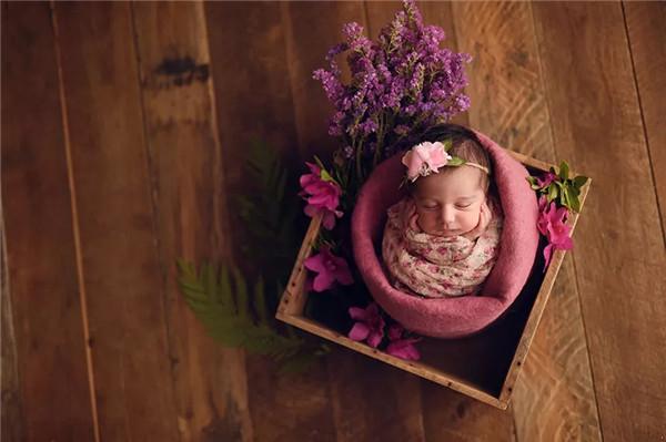 教你运用好新生儿摄影的光、影、色