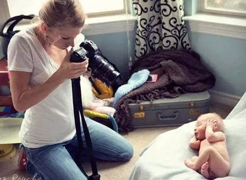 新生儿摄影师的上门拍摄之道