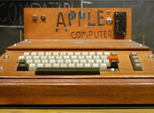 苹果市值冲破万亿美元 图片回顾下苹果定义时代的6款产品
