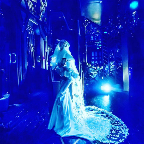 一款婚纱一场秀,上万件预订单的创造者——胡社光