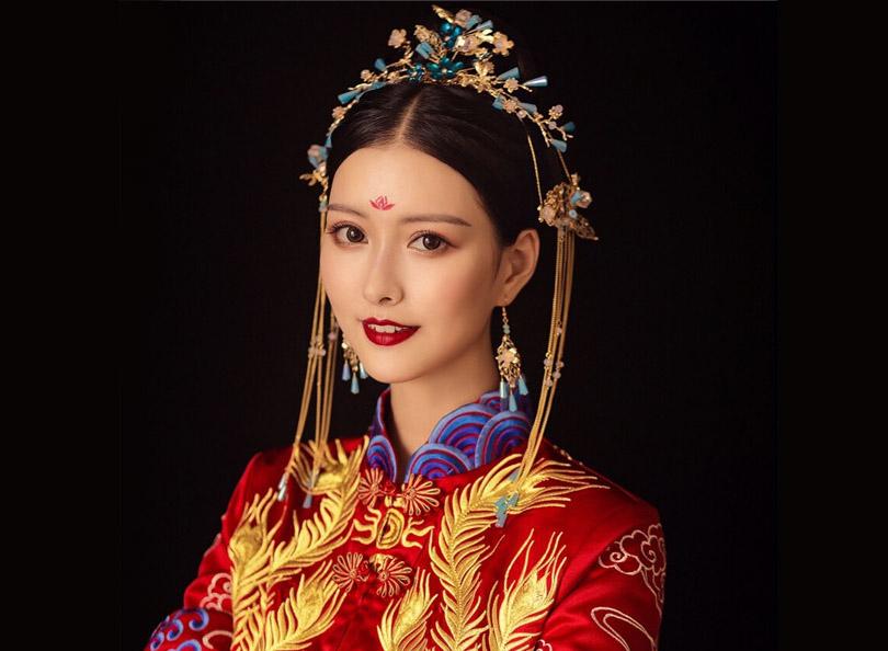 华服中式新娘妆面造型