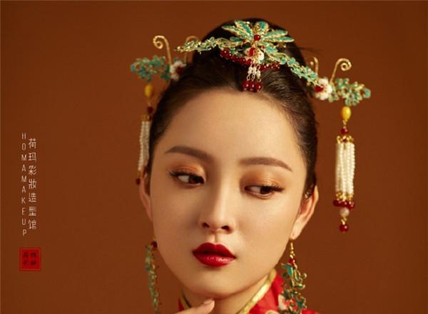 古色古香,精致妆面给你全新中式新娘