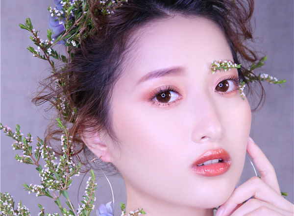 鲜花造型妆面赏析