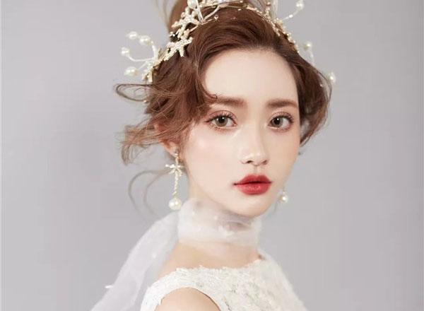 清新灵动的皇冠新娘造型