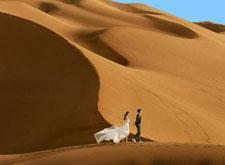 从沙漠丹霞一直拍到花海胡杨,新疆婚纱旅拍正当时