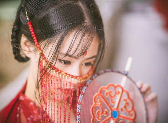 最新影楼资讯新闻-红妆嫁衣人像外景写真
