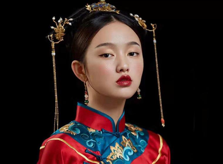 婉约柔美中式新娘妆发造型