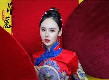 中式新娘造型:妩媚的红妆