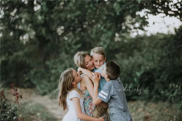 攝影技巧:學會這三招,拍出精彩的親子照