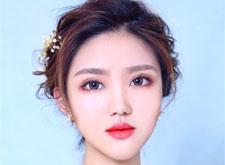 轻韩式的简约造型,随性浪漫