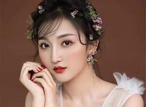 灵动美丽的鲜花系新娘 浪漫娇羞