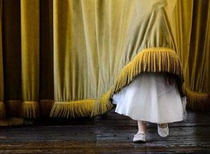 最新影楼资讯新闻-成人婚礼中的儿童世界!