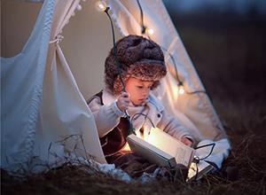 最新影楼资讯新闻-拿起相机,为孩子写下夜晚的梦幻童话