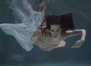 最新影楼资讯新闻-写真 : 唯美空灵的水下幻境