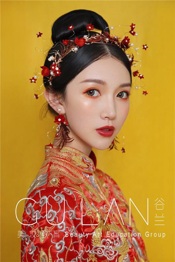 錦繡紅妝 可搭配多變造型的中式新娘妝面