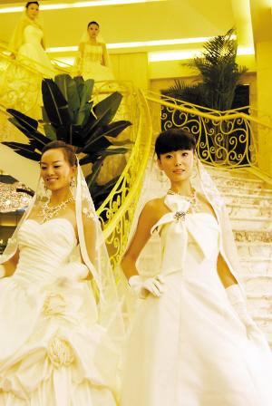 重庆首家名流整体形象造型摄影宫殿奢华启幕