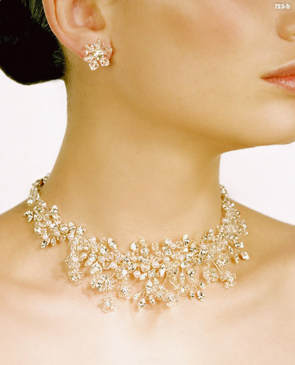 钻石与水晶完美打造春夏新娘