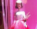 最新影楼资讯新闻-橱窗里的洋娃娃