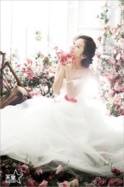 玫瑰心语情人节里的爱芬芳 影楼实景
