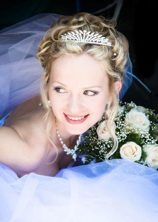 最新影楼资讯新闻-复古新娘巧选择奢华皇冠
