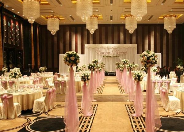 最新影樓資訊新聞-上海新人——婚宴婚慶珠寶攝影一項都不能少