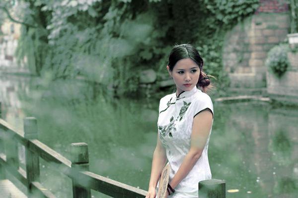 有个姑娘叫小芳_村里有个姑娘叫小芳--人像摄影作品赏析(2)_摄影师与影像_影楼 ...