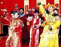 欢乐婚礼上演穿越剧 婚礼现场宾客穿戏服跳骑马舞