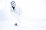 最新影楼资讯新闻-TOMAAS时尚主题摄影作品:白色梦境