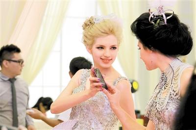 最新影楼资讯新闻-深圳夏季结婚展16日开幕 主办方预计有2亿订单